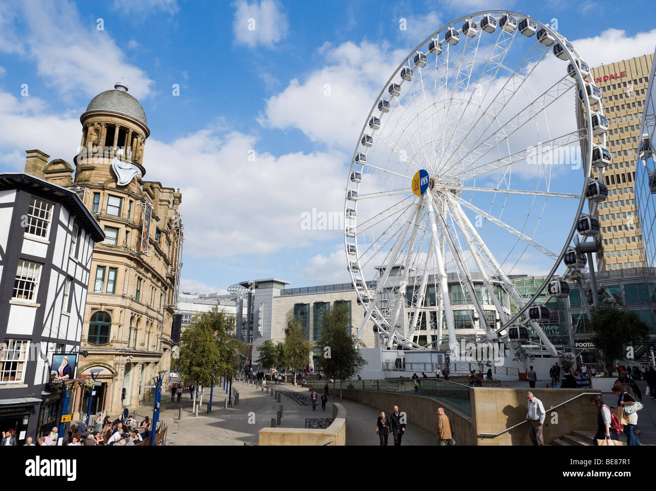 Exchange Square with the Manchester Wheel, Manchester, England - Stock Image