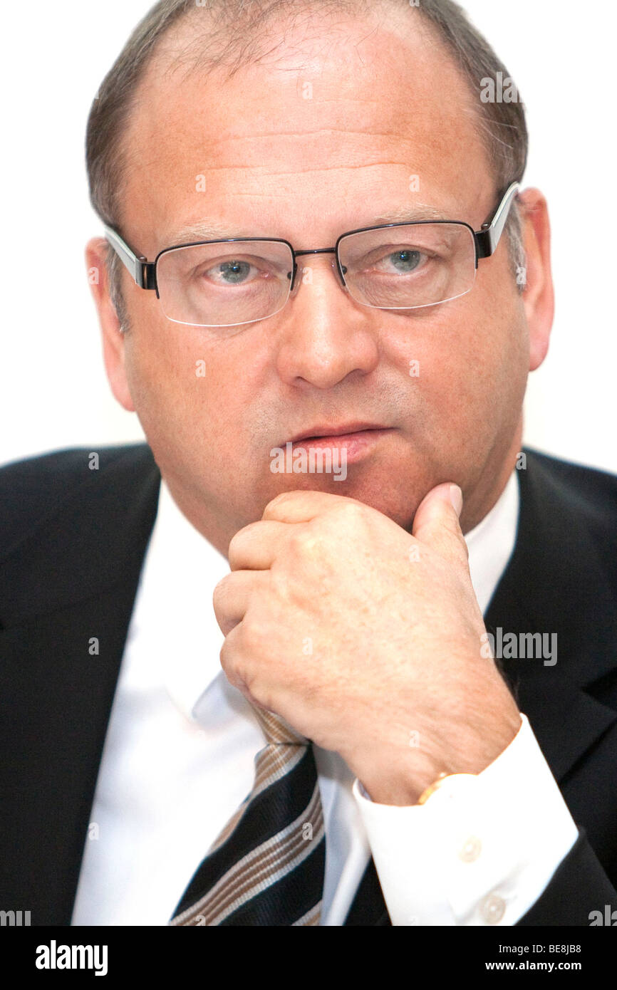 Gerald Meder, Vice Chairman of Rhoen-Klinikum AG for the cooperation of hospitals and clinics, during the annual - Stock Image