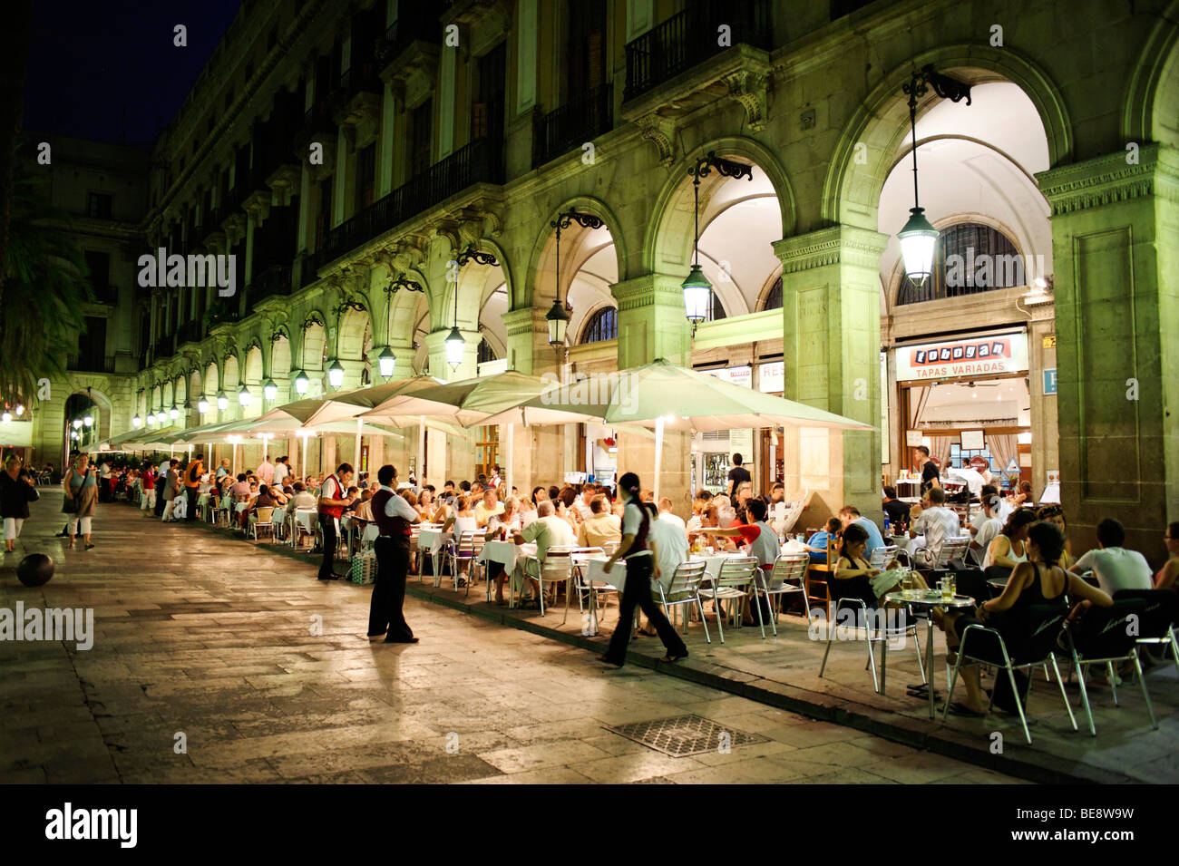 Alfresco dining on Plaza Reial. Barcelona. Spain - Stock Image