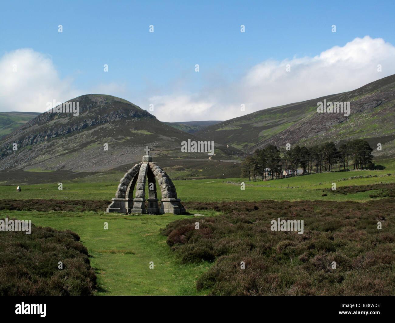 Queen's Well commemorates visit to Glenmark by Queen Victoria - Stock Image
