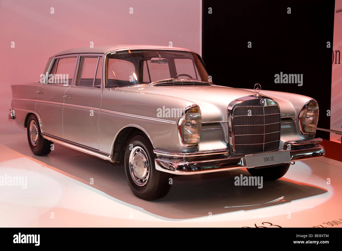 Mercedes 300 SE 1963 model at a European Motor Show Stock Photo