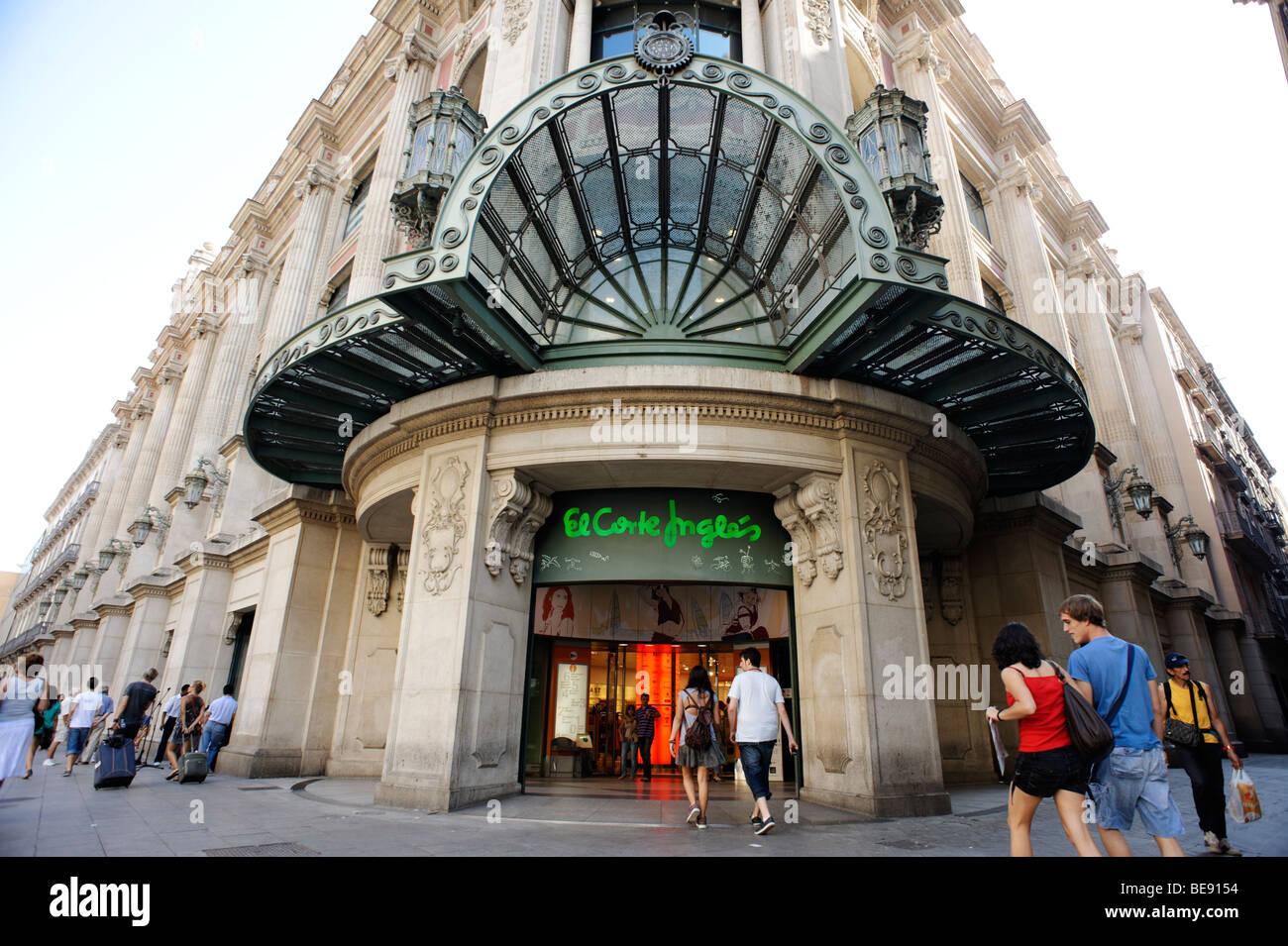 El corte ingles barcelona stock photos el corte ingles barcelona stock images alamy - El corte ingles stores ...