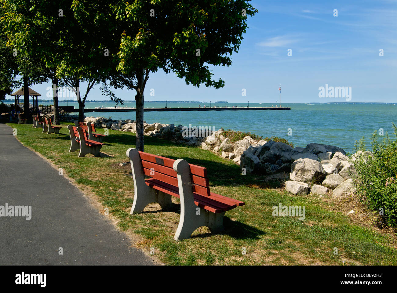 Benches along lake erie provide places for rest in lakeside ohio benches along lake erie provide places for rest in lakeside ohio publicscrutiny Image collections
