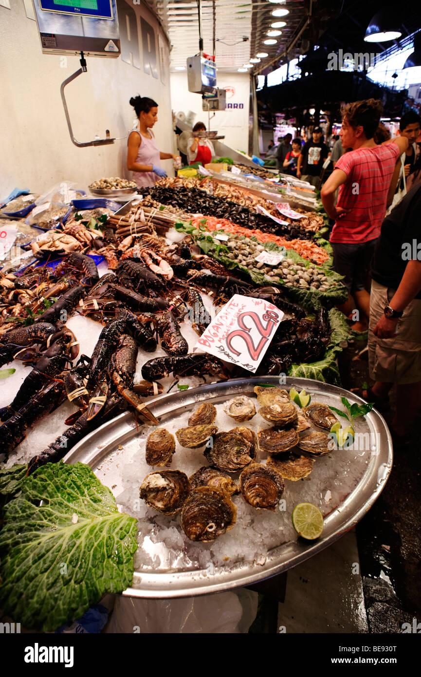 Fish mongers stall. Mercat de Sant Josep, La Boqueria. Barcelona. Spain - Stock Image