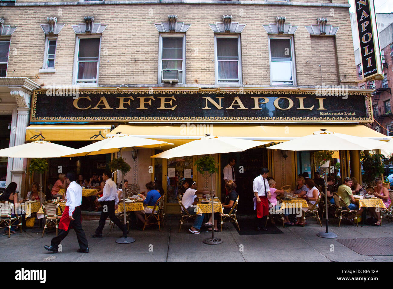 Caffe Napoli Italian Restaurant In Little Italy In New York