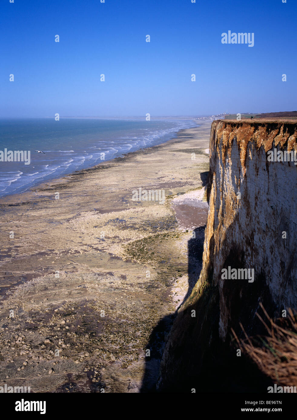 FRANCE, Picardy, Mers les Bains View north east over chalk cliffs of the channel coast to sea and breaking waves Stock Photo