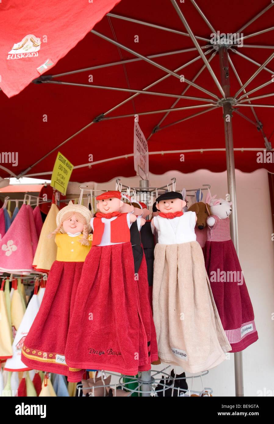 Basque hand towel puppets (Pyrenees Atlantiques - France). Poupées essuie-mains Basques (Pyrénées - Stock Image
