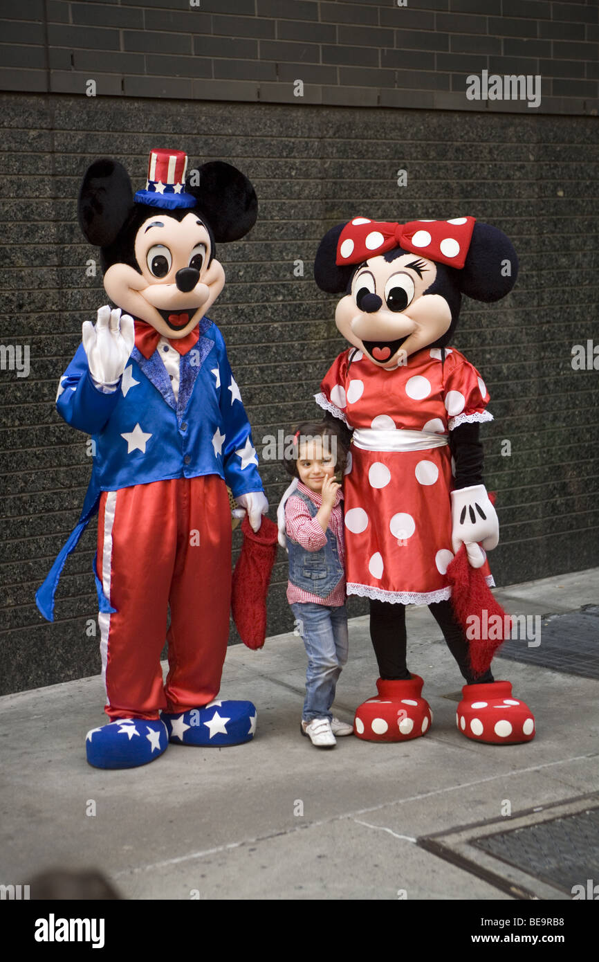 Mickey And Minnie Mouse Are Still Big Stars With The Kids Times Square New