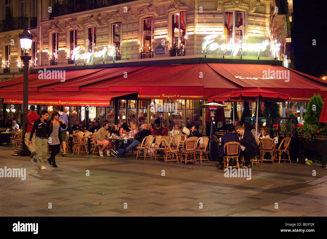 Champs Elysees Cafes Restaurants