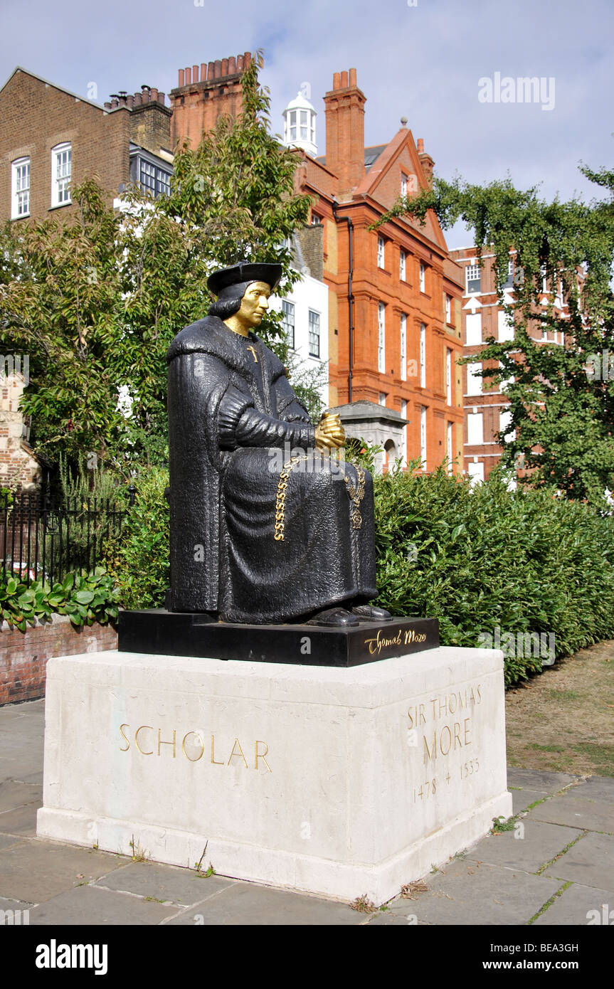 Sir Thomas Moore Statue, Cheyne Walk, Chelsea, Royal Borough of Kensington and Chelsea, Greater London, England, - Stock Image