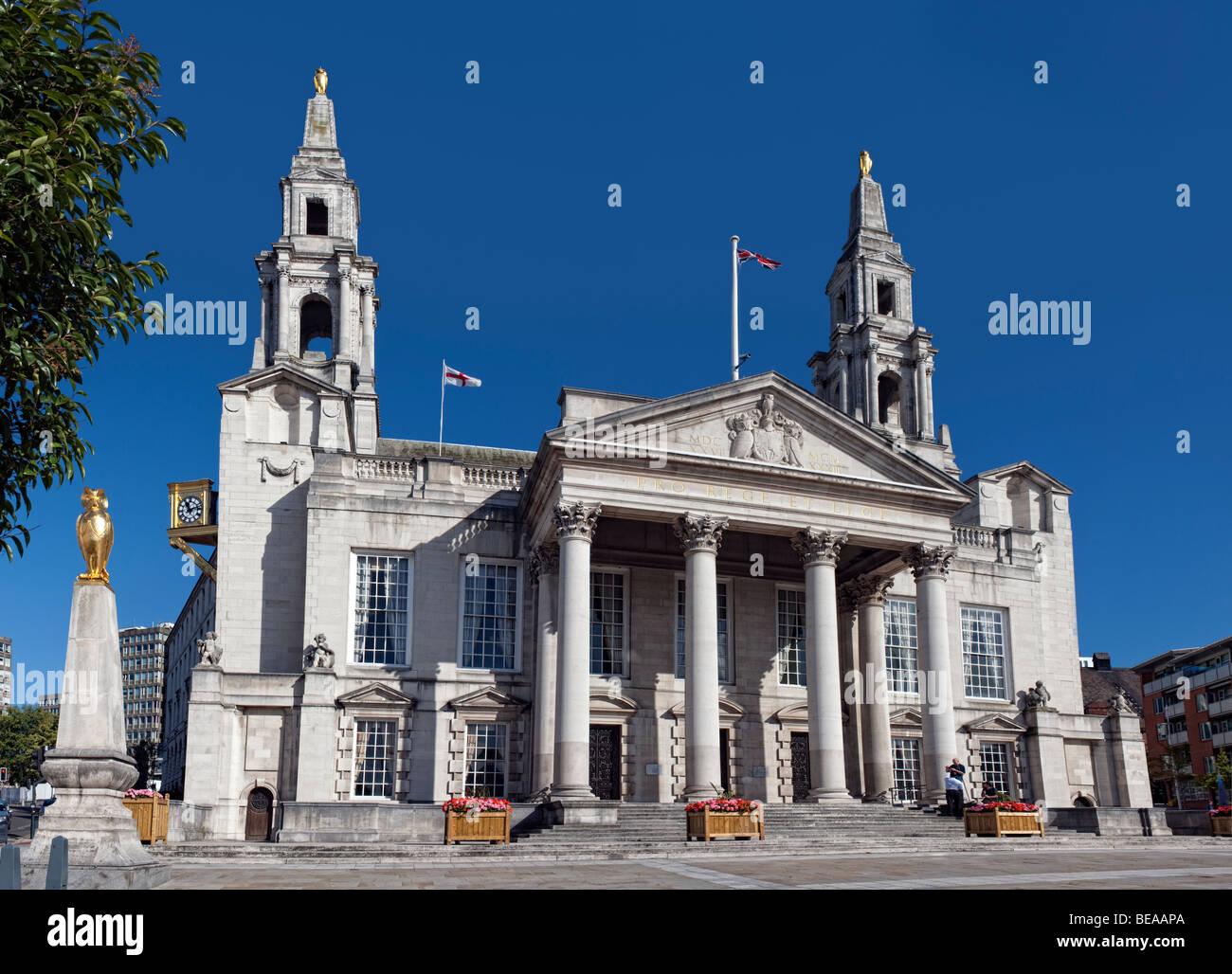 Leeds Civic Hall, overlooking Millennium Square, Leeds, West Yorkshire UK - Stock Image