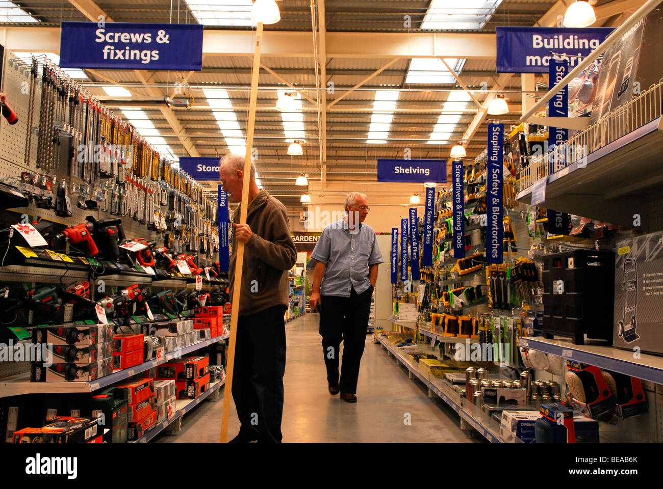 Hardware Store Signs Stock Photos & Hardware Store Signs Stock ...