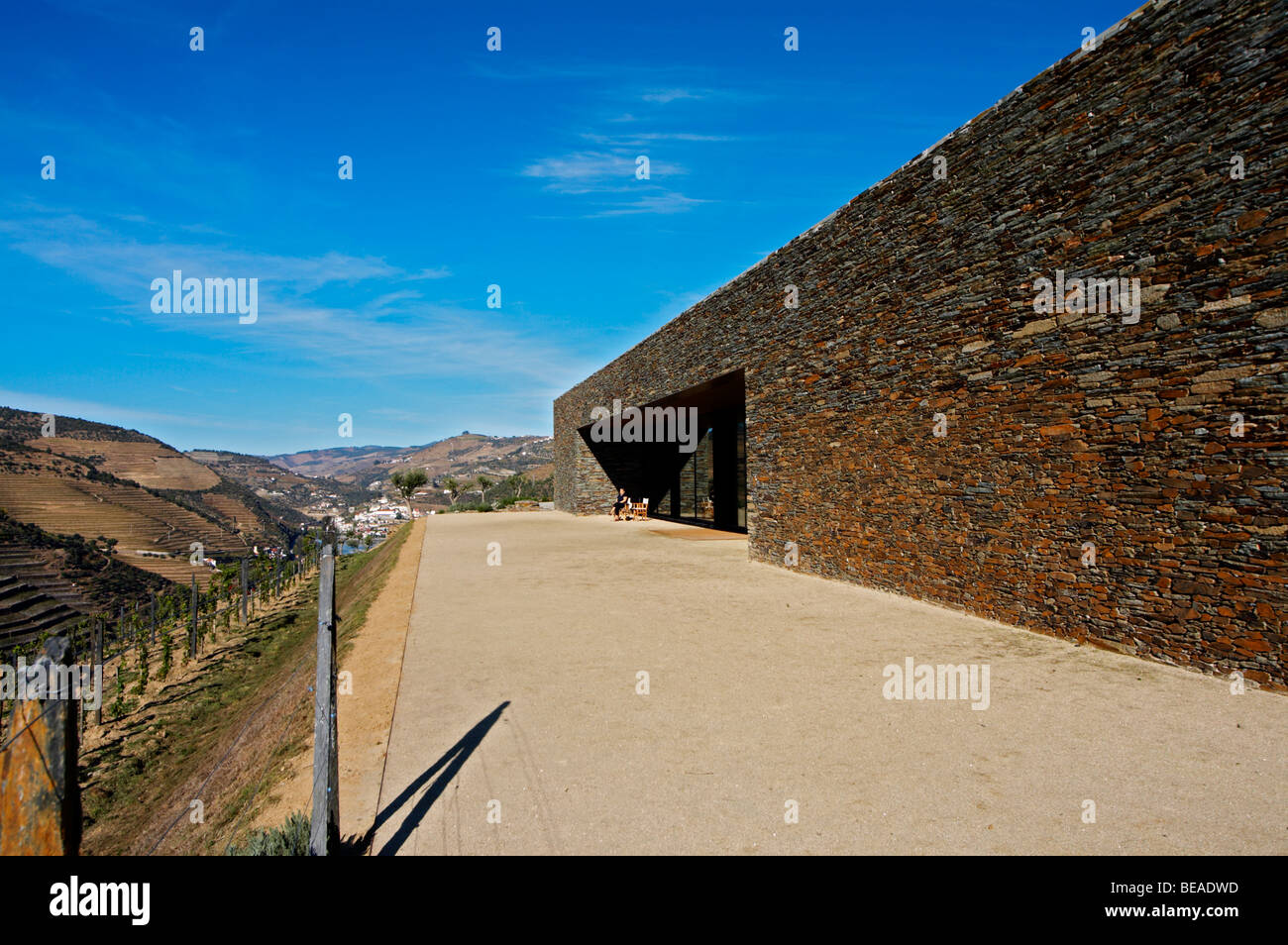 the winery overlooking the river quinta do seixo sandeman douro portugal - Stock Image