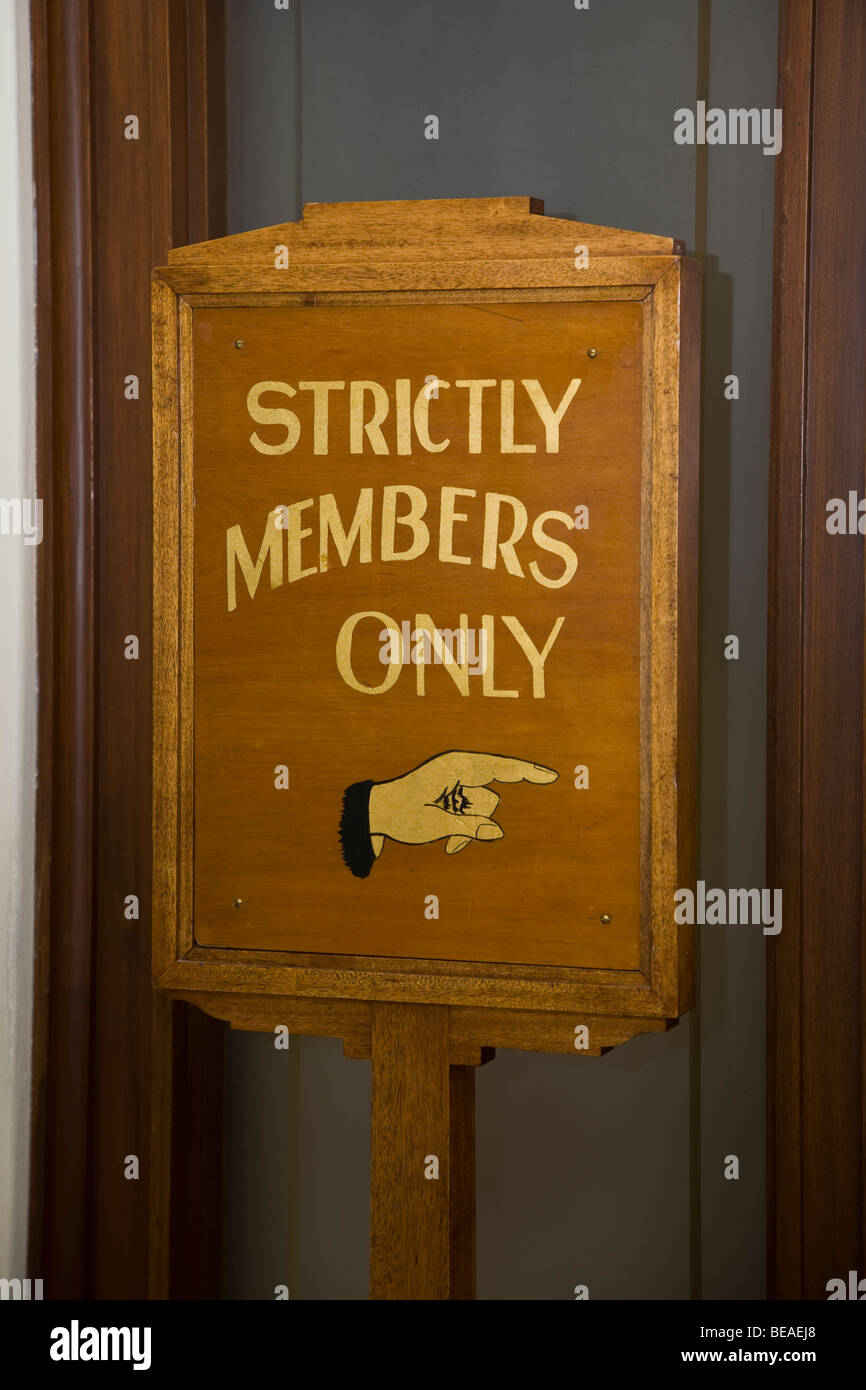 Wooden sign stating STRICTLY MEMBERS ONLY - Stock Image