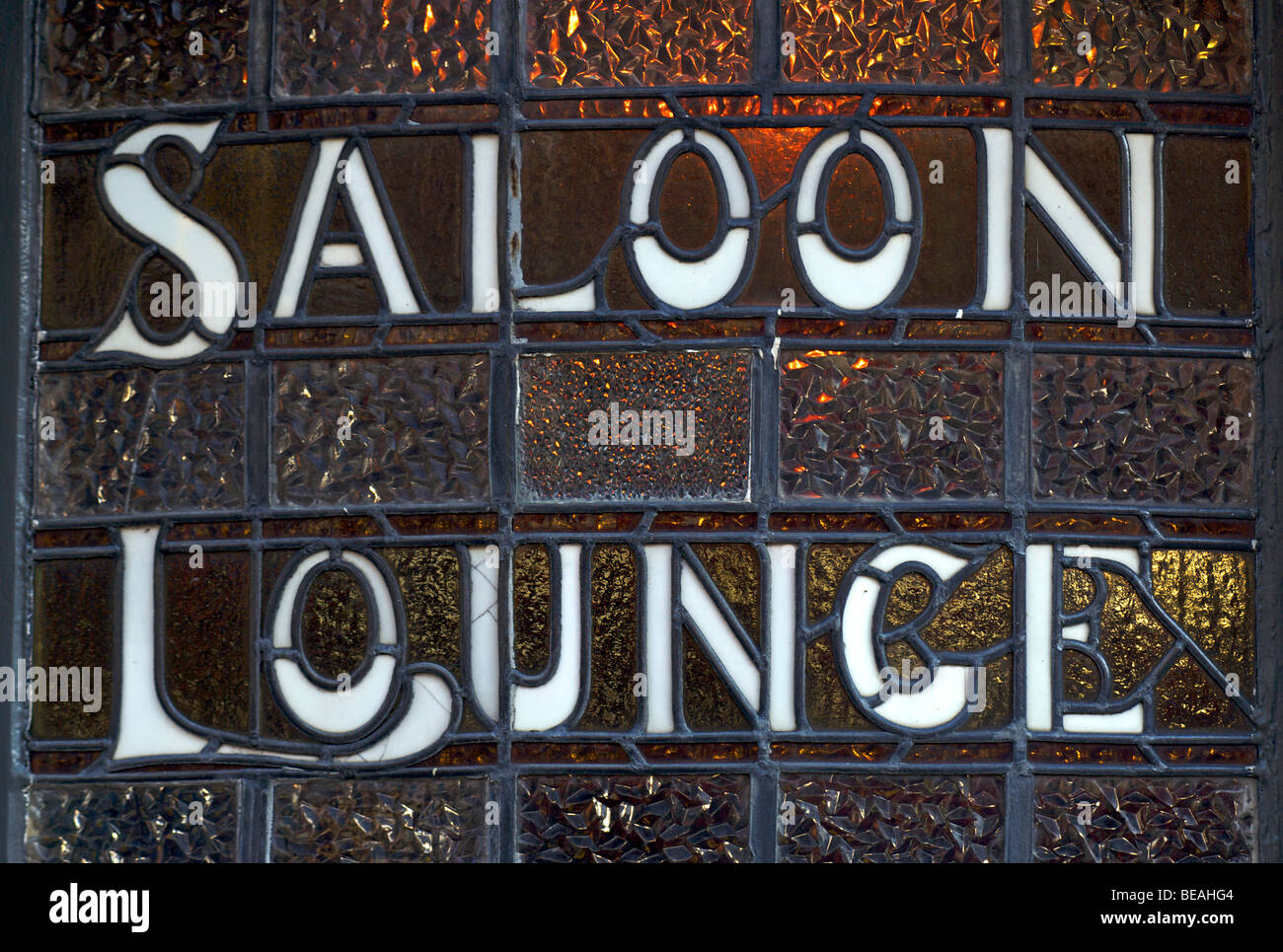 SALOON LOUNGE. Leaded window sign, Brighton, England Stock Photo