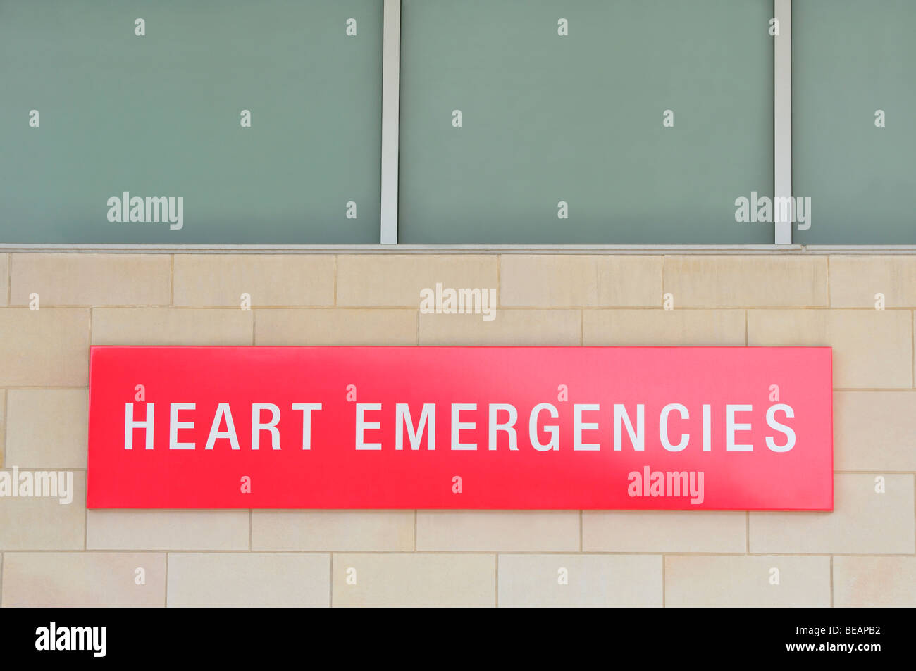 Heart Emergencies sign on a hospital - Stock Image