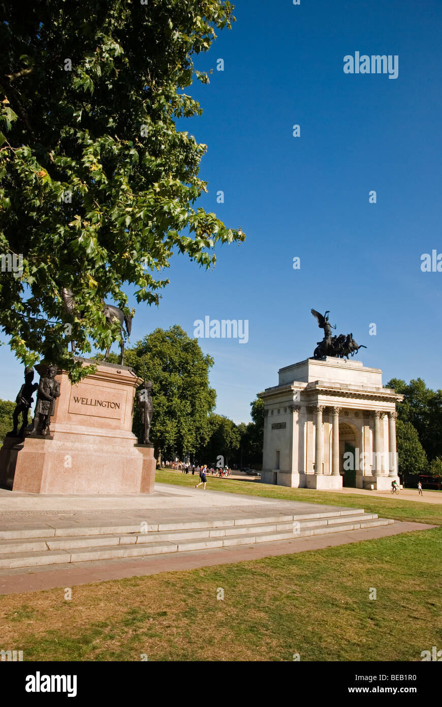 Statue of Duke of Wellington and Wellington Arch, Hyde Park Corner London England UK - Stock Image