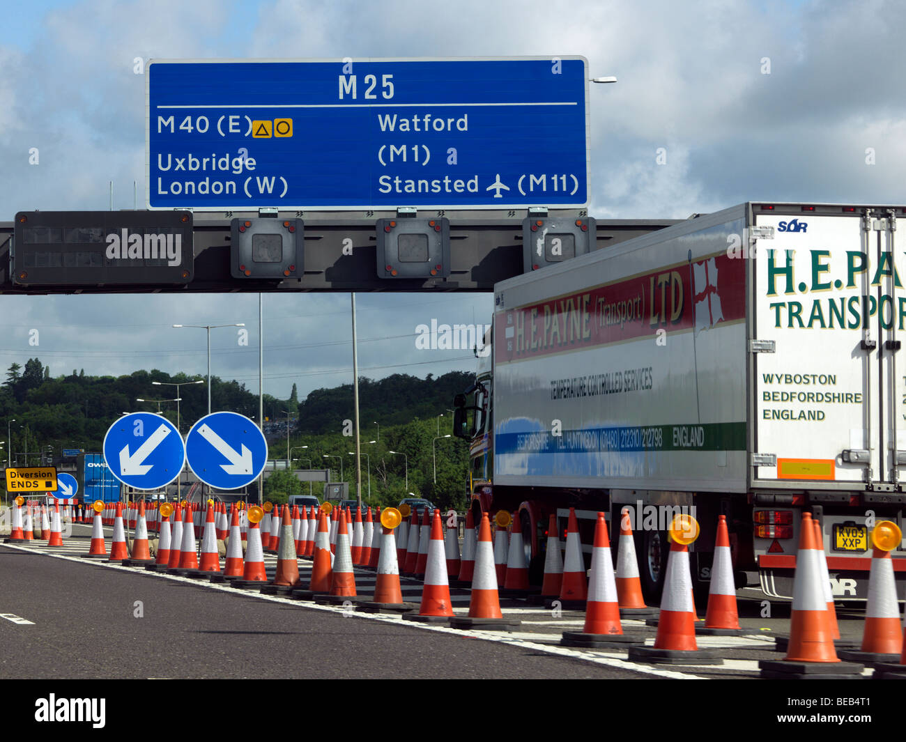 M25 Motorway junction and traffic cones - Stock Image