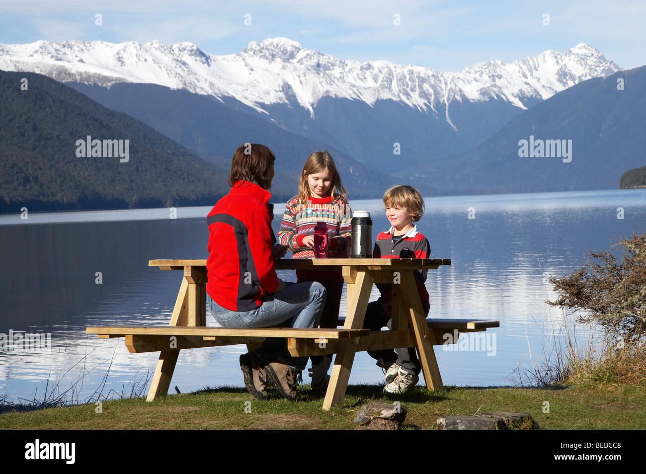 Family Picnic, Lake Rotoroa, Nelson Lakes National Park, Tasman District, South Island, New Zealand - Stock Image