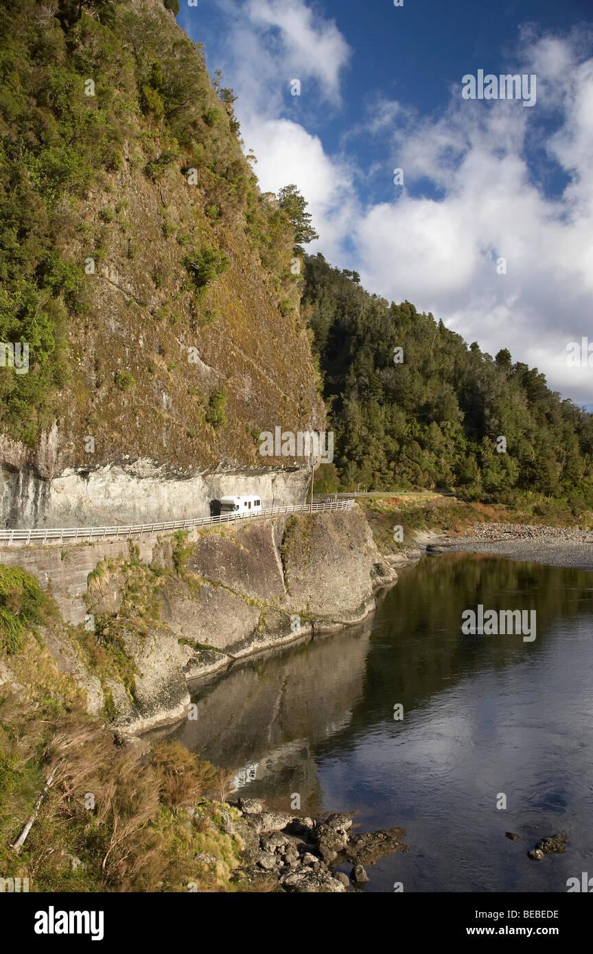 Campervan, Hawks Crag, Buller Gorge, State Highway 6 near Westport, West Coast, South Island, New Zealand - Stock Image