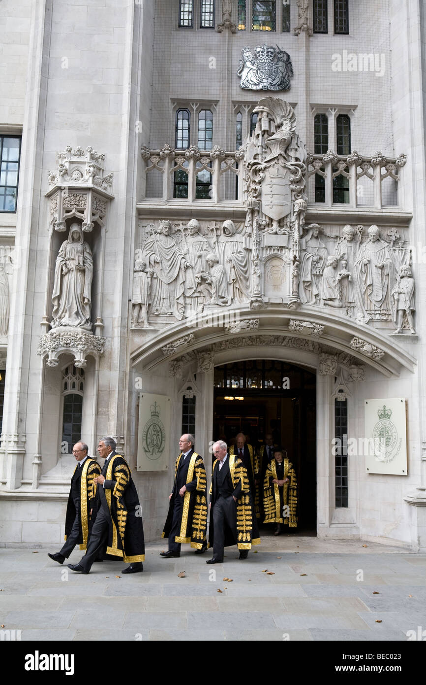 Supreme Court of United Kingdom Justices outside Middlesex Guildhall. - Stock Image