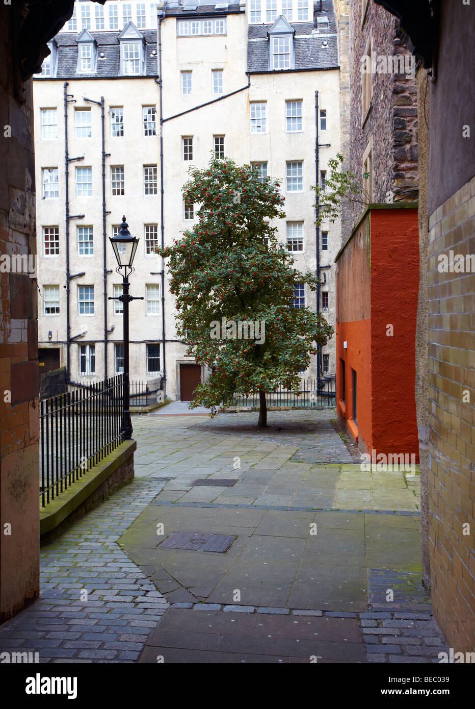 A Traditional Tenement Square Edinburgh Scotland UK - Stock Image
