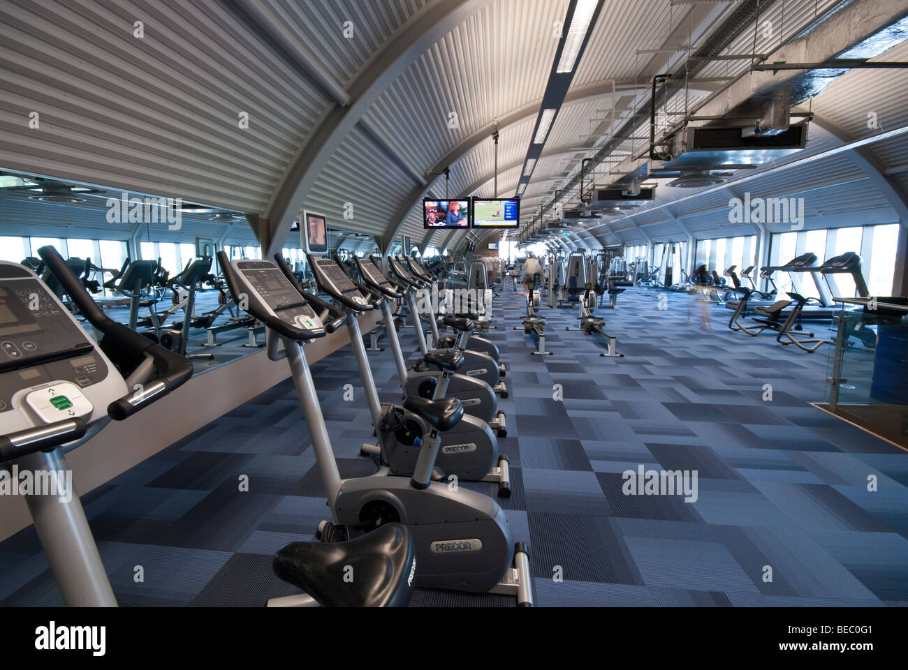 Fitness suite for work outs at the Mountbatten centre - Stock Image