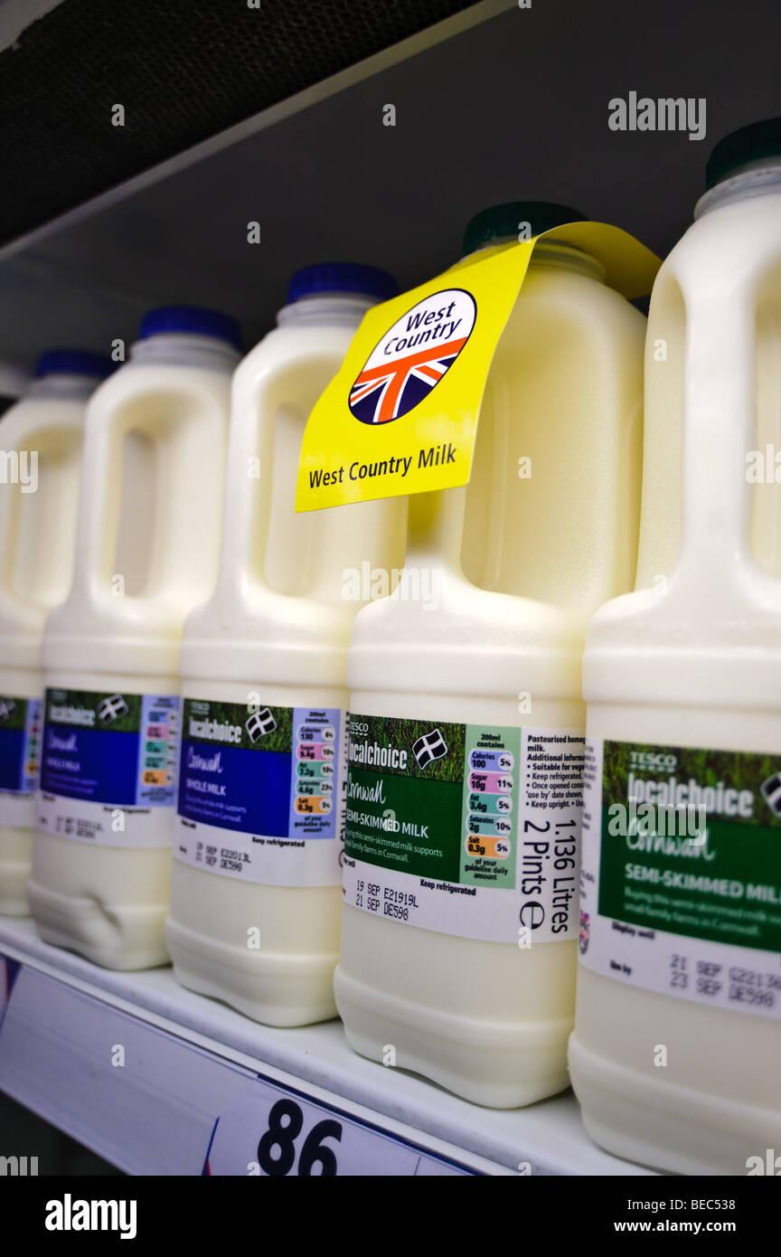 Tesco Supermarket Milk Stock Photos Tesco Supermarket Milk Stock