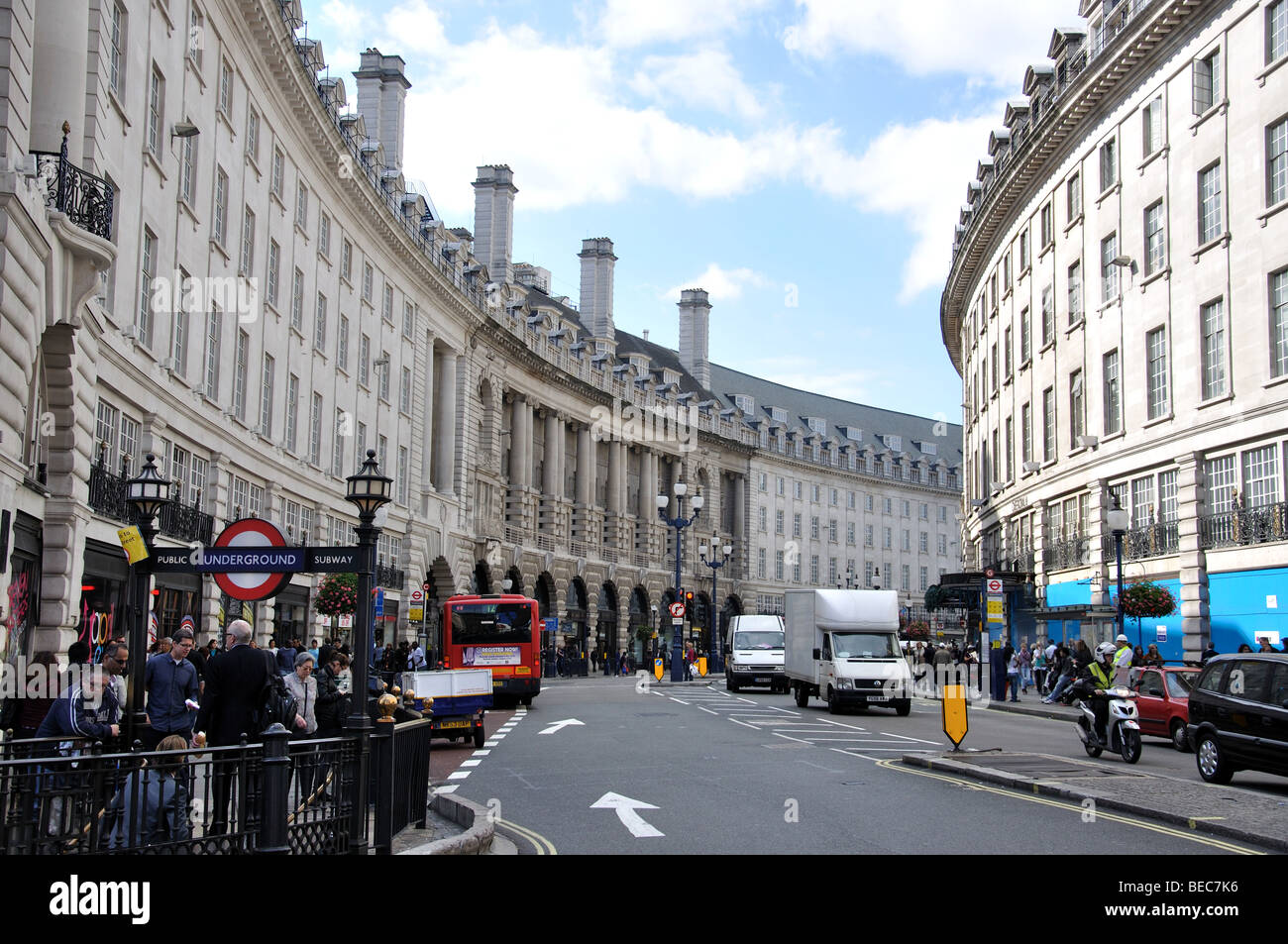 In what city is Piccadilly Street
