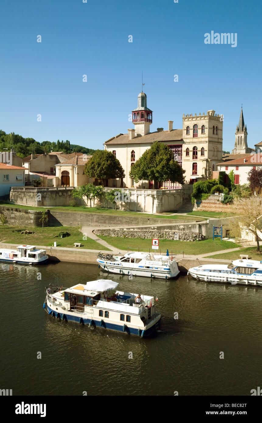 The River Lot at Castelmoron, Aquitaine, France Stock Photo