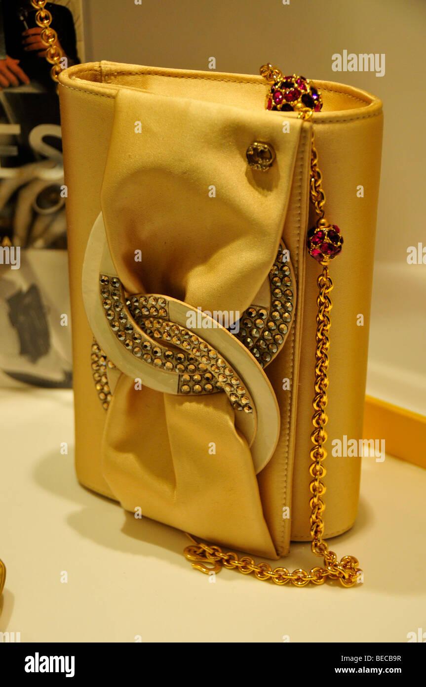 Gold handbag on the gold market Goldsuq, Dubai, United Arab Emirates, Arabia, Middle East, Orient - Stock Image