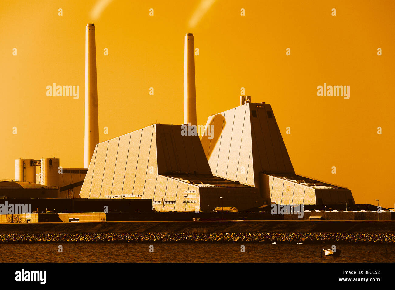 Power station in warm morning light - Stock Image