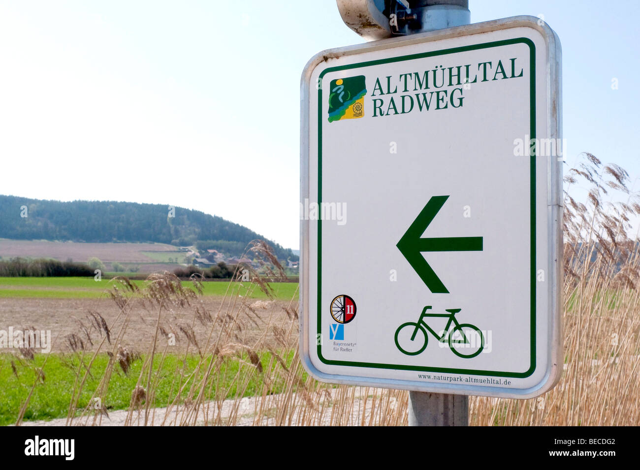 Sign of the Altmuehltal valley cycle path near Dollstein in the Altmuehltal valley, Bavaria, Germany, Europe - Stock Image
