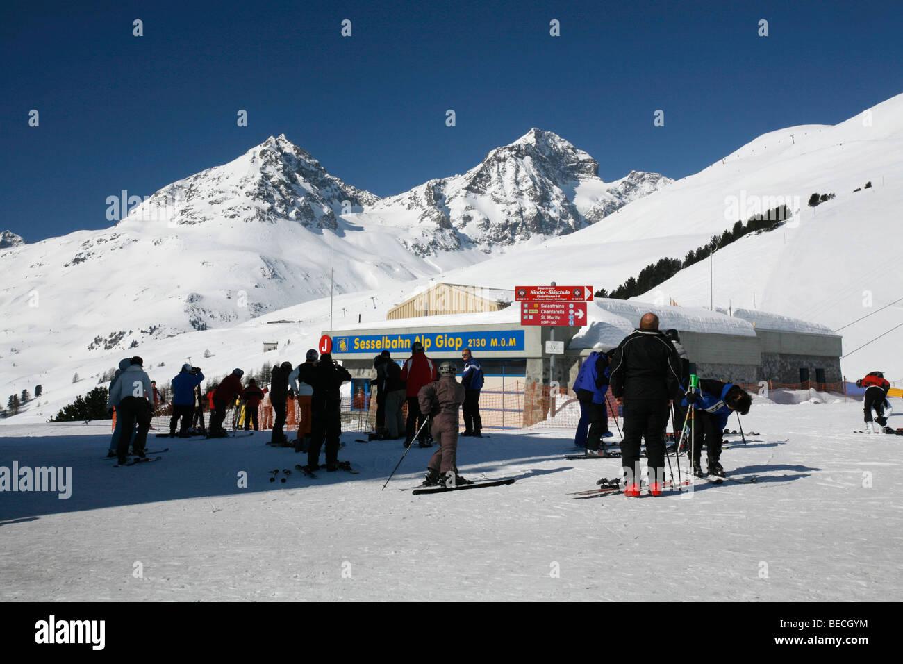 Skiiing, winter sport on the Giop alp, St. Moritz, Oberengadin, Graubuenden, Switzerland - Stock Image