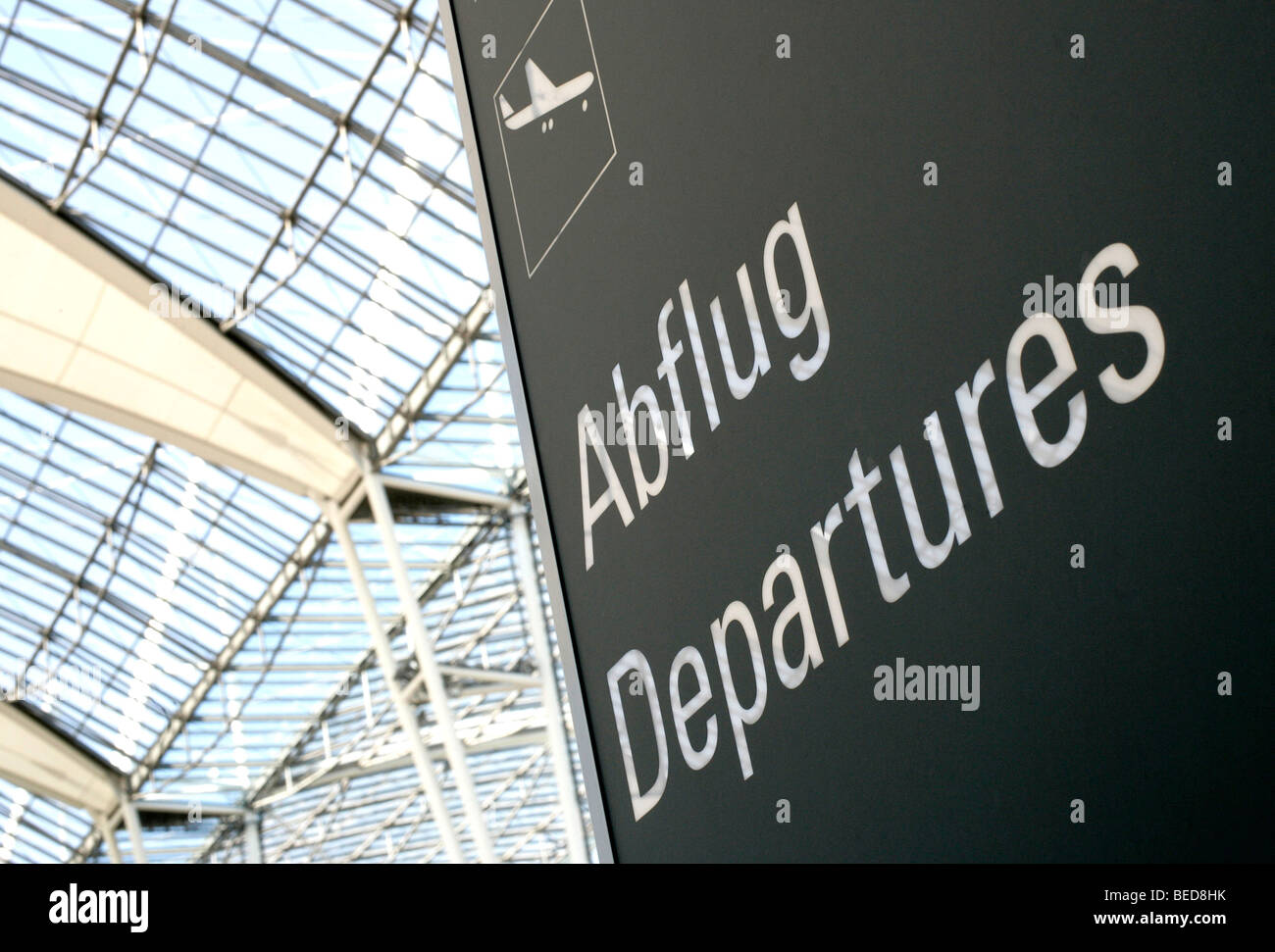 Sign, departures at Terminal 2 in Munich Airport, Franz-Josef-Strauss Airport, Munich, Bavaria, Germany, Europe - Stock Image