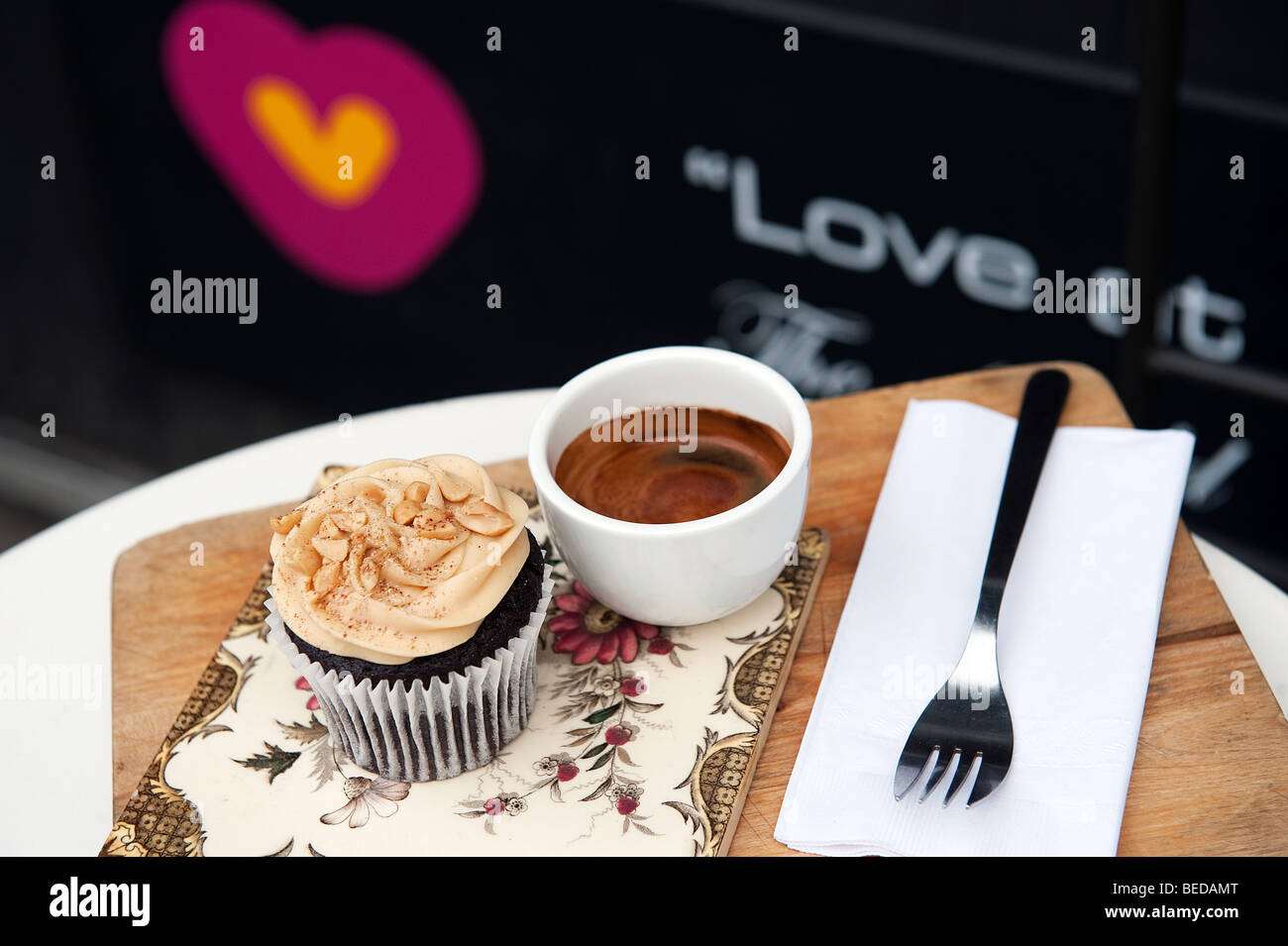 A peanut butter Cup cake and espresso coffee in Heart Buchanan deli and cafe on Byres Road in the West End of Glasgow, - Stock Image