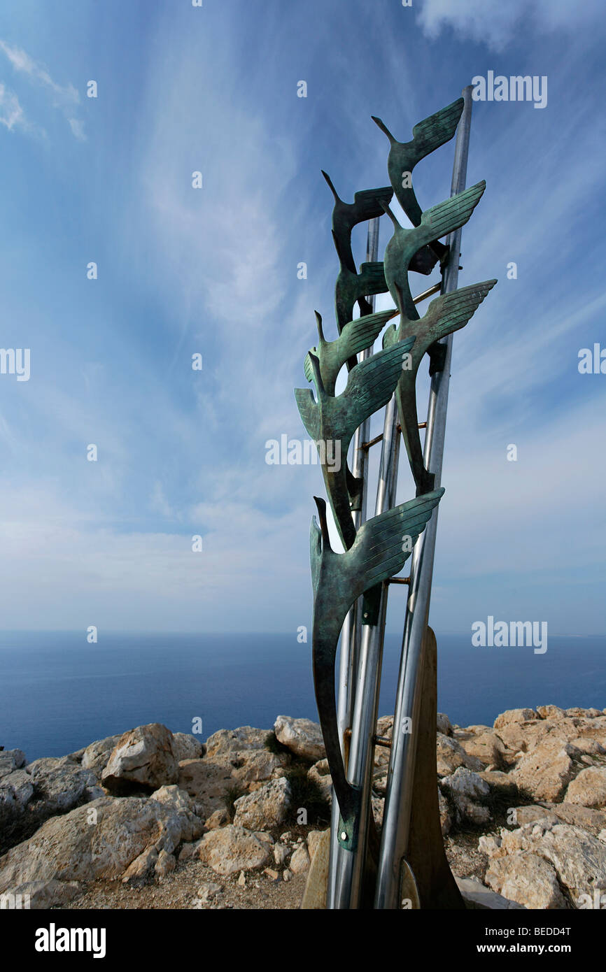 Memorial, birds, Cape Gkreko, Larnaca, Cyprus, Asia - Stock Image