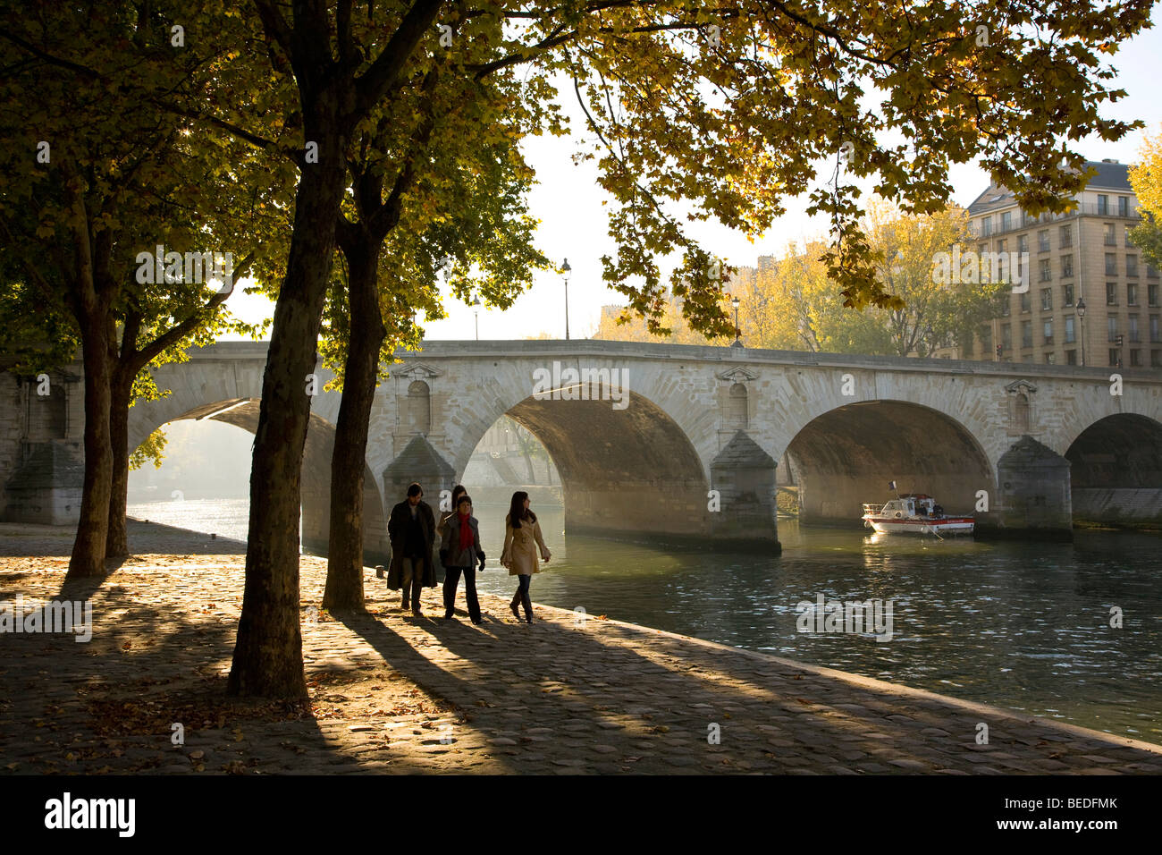 PONT MARIE BRIDGE AND QUAY SIDE, PARIS - Stock Image