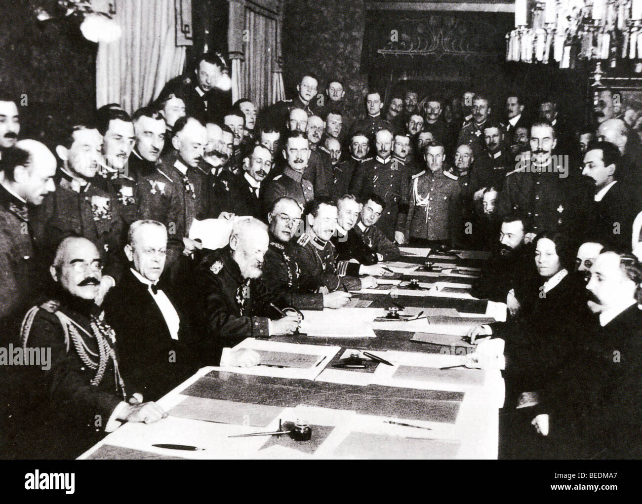 TREATY OF BREST-LITOVSK December 1917. German (at left) and Russian delegates at the preliminary talks - Stock Image
