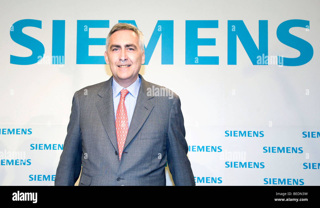 Peter Loescher, chairman of the Siemens AG during the press conference on financial statements on the 13.11.2008 - Stock Image