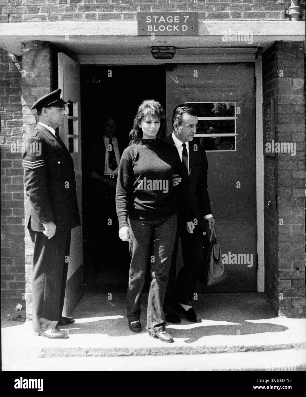 Actress Sophia Loren leaving Estree studios during a police investigation - Stock Image
