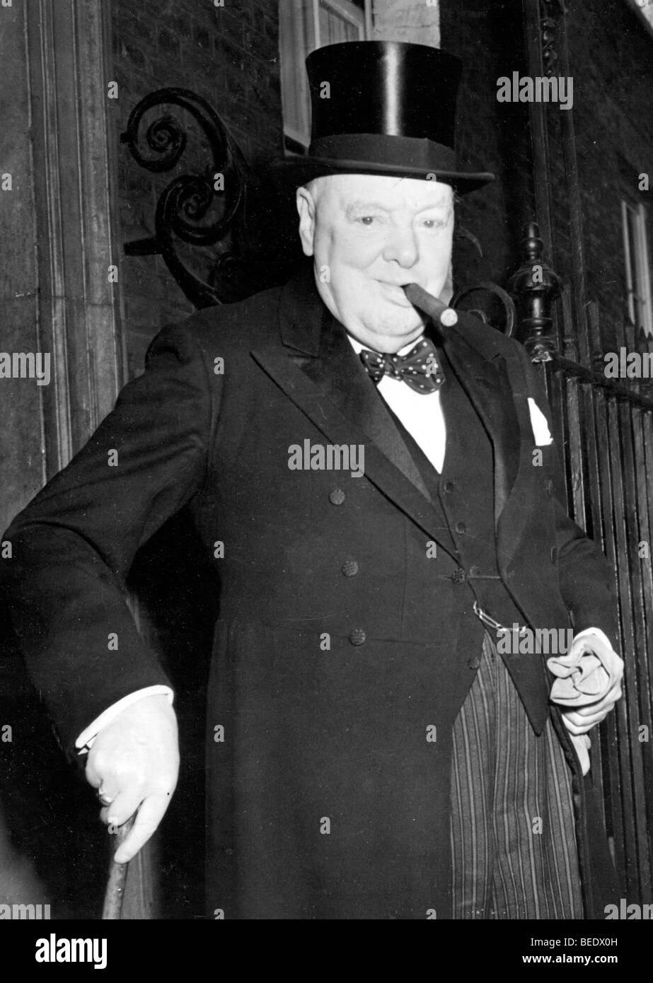 1000166 (900324) Sir Winston CHURCHILL, Englischer Politiker (Premierminister) Portrait mit seiner beruehmten Zigarre - Stock Image