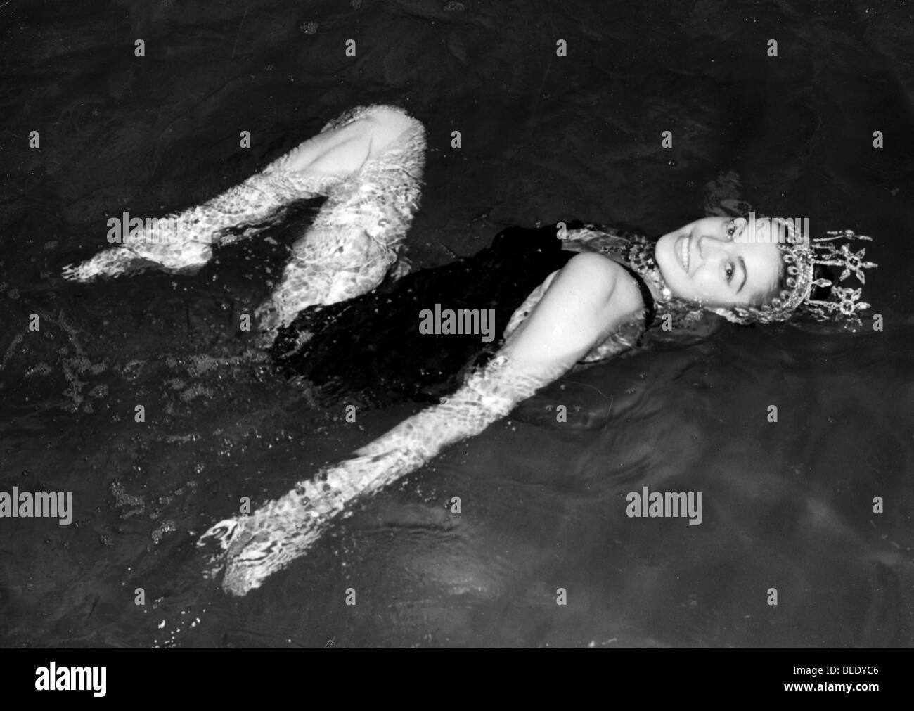 Esther Williams Swimming Pool Stock Photos & Esther Williams ...