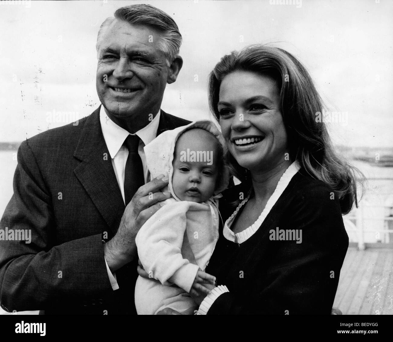 cary grant with wife dyan cannon and daughter jennifer stock photo
