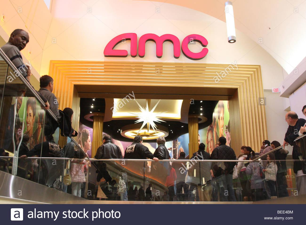Movie Theater Crowd Stock Photos Movie Theater Crowd Stock Images Alamy