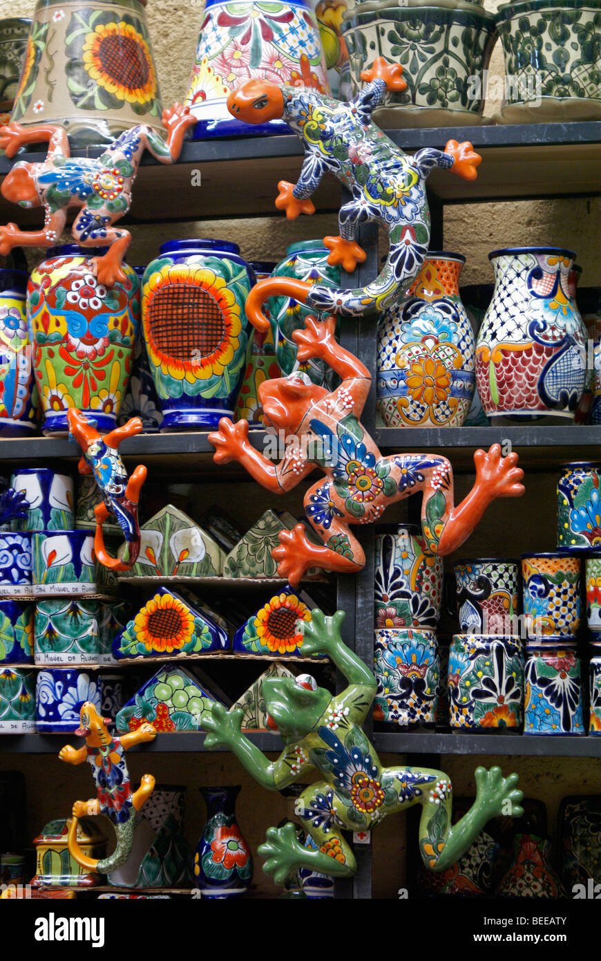 Colorful ceramics for sale in the market in San Miguel de Allende, Mexico - Stock Image