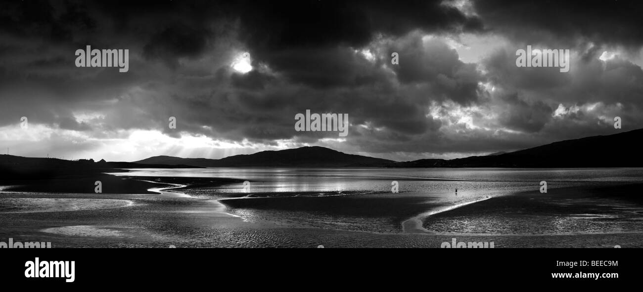 Storm clouds over Isle of Harris, Luskentyre beach, Outer Hebrides, Scotland. Black and White - Stock Image