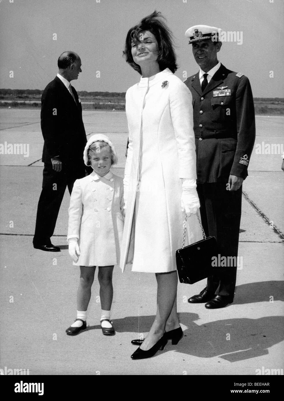 First Lady Jackie Kennedy and Caroline at airport - Stock Image