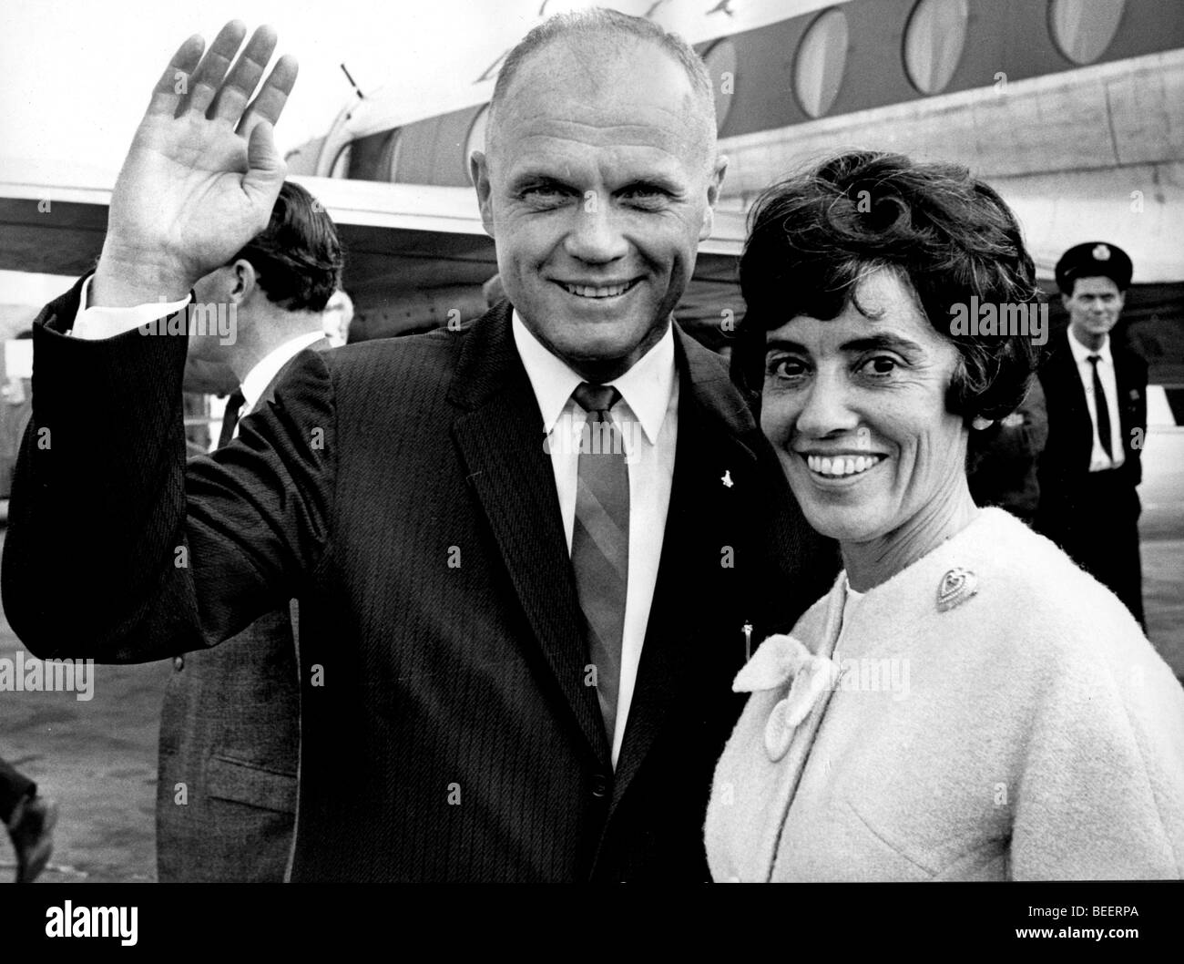 COL. JOHN GLENN and his wife ANNIE when they finally landed at LONDON AIRPORT - Stock Image