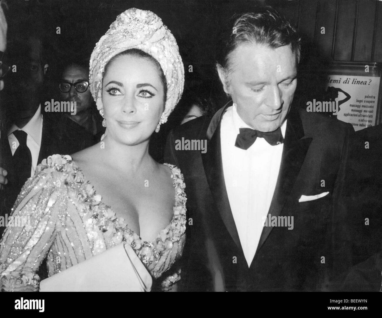 1011432 (9003107) Elizabeth 'Liz' TAYLOR, britische Schauspielerin mit Ehemann Richard BURTON, britischer - Stock Image
